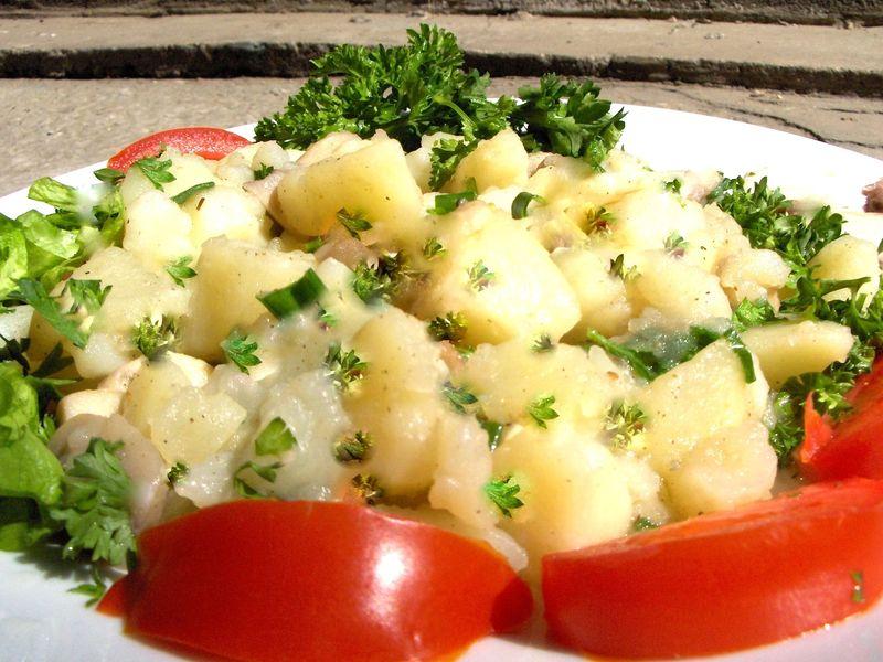 Salata de cartofi cu hasmatuchi